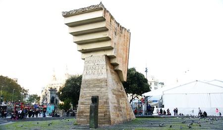 francesc: Monumento a Francesc Maci&agrave, en la plaza de Catalunya, Barcelona