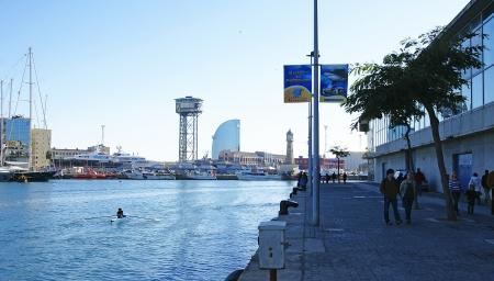 moll: Stroll along the wharf in Moll of the Fusta Barcelona Editorial