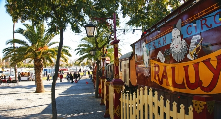 moll: Circus in the gardens of Moll of the Fusta, Port of Barcelona