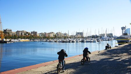 moll: Stroll in bicycle for Moll of the Fusta in Barcelona