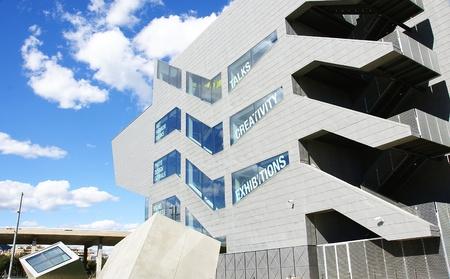 edificación: Panor?ca del Museu del Disseny de Barcelona