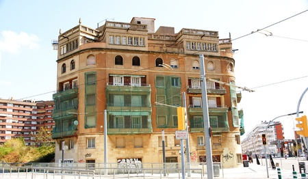 Rehabilitation of a building in Collblanc, Barcelona