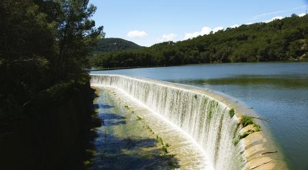 caudal: Spillway Foix reservoir in Castellet i la Gornal, Barcelona