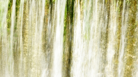 Waterfall of the spillway of Foix reservoir for backgrounds and textures, Castellet i la Gornal, Barcelona Фото со стока - 23882410