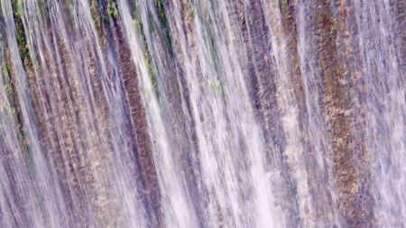 Waterfall of the spillway of Foix reservoir for backgrounds and textures, Castellet i la Gornal, Barcelona Фото со стока - 23882408