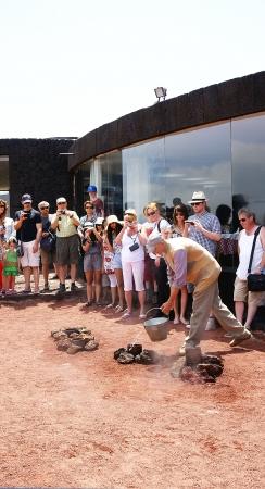 timanfaya: Espect�culos Timanfaya Parque de Lanzarote, Islas Canarias Editorial