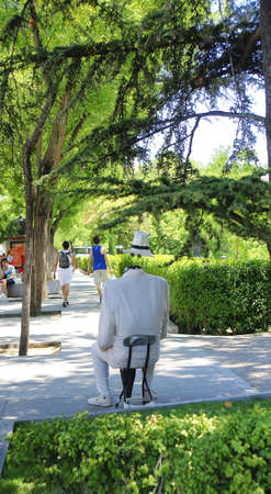 characterization: Living statue in Madrid
