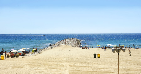 no pase: Playa de la Mar Bella en Barcelona