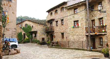 middle ages: Buildings, streets and alleys of the Middle Ages in Mura, Barcelona