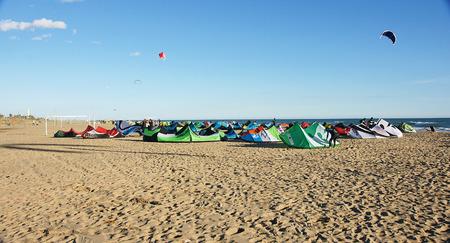 kitesurf: Concentration kitesurf, Castelldefels, Barcelona