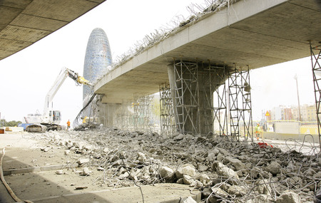 Deconstruction of the ring road Square Les Glories Catalanes, Barcelona