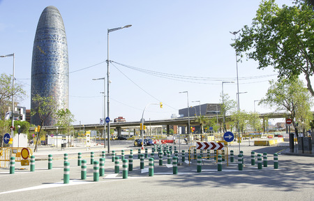 deviation: deviation pivots on a street in Barcelona Editorial