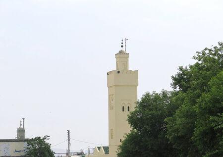 afrique du nord: La construction typique arabe minaret au Maroc, en Afrique du Nord