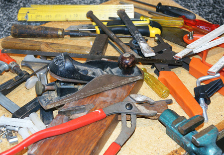 cut off saw: working tools