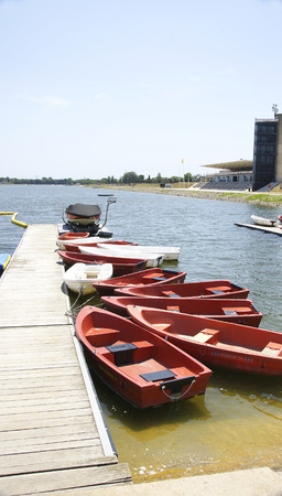 poleas: Barcos en el canal olímpico de Castelldefels, Barcelona