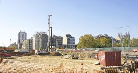 Prace na placu Les Glories w Barcelonie