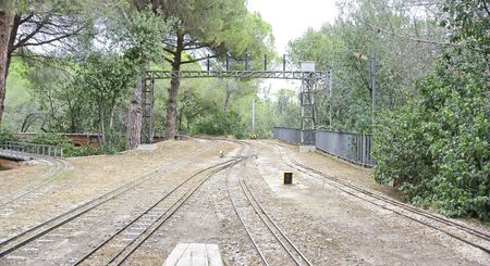 ortseingangsschild: Strukturen des Kinderzuges im Parc de la Oreneta, Barcelona Lizenzfreie Bilder