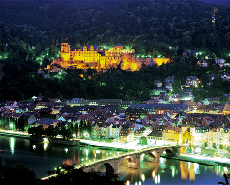 Night view of Heidelberg Castle
