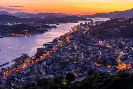 Night view of onomichi water works and onomichi streets from Jodo-ji Temple 報道画像