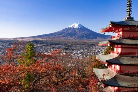 Mt. Fuji in autumn from Niikurayama Senma Park Фото со стока