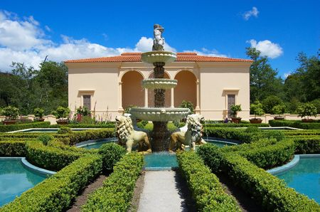 hamilton: Elaborate fountain with multiple cascades and statues of lions, in front of a pavilion, Italian Renaissance Garden, Paradise Garden Collection, Hamilton Gardens, New Zealand