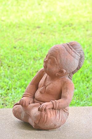 Children statue show at the public garden.