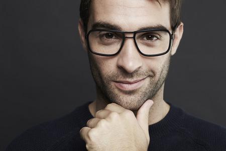 성인 남자가 중반 안경을 착용의 초상화 스톡 콘텐츠