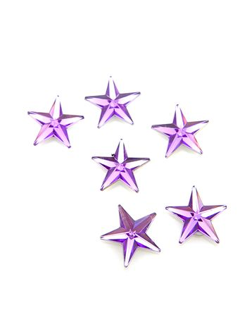 estrellas moradas: Confeti de estrellas p�rpura sobre fondo blanco