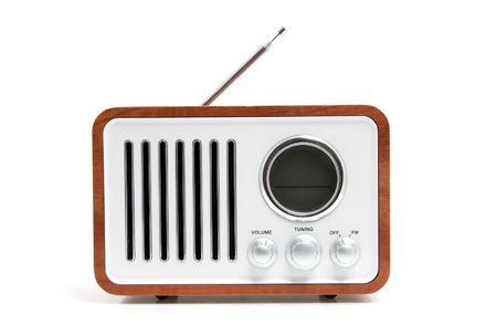 transistor: Antiguo envejecida radio aislado sobre fondo blanco