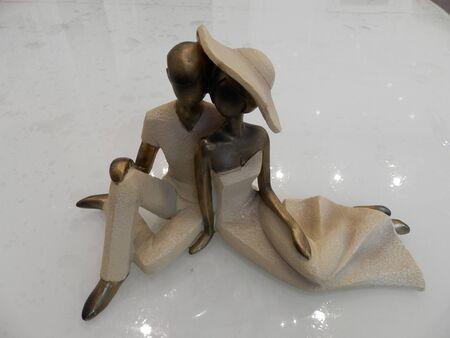 Figurine-couple in love.