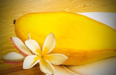 ripe: ripe mangoes