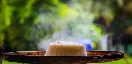 Sticky rice steamed cooked on a bamboo tray Stockfoto