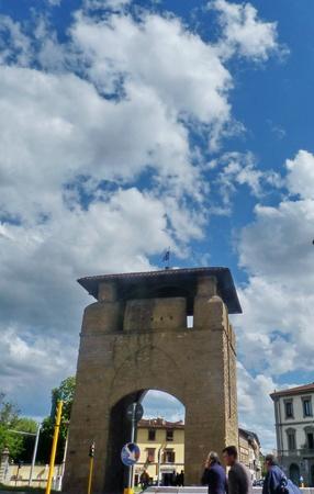 Firenze, Porta al Prato 01