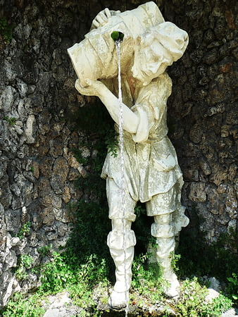 garzoni: Statue in the park of Villa Garzoni, Collodi, Tuscany, Italy