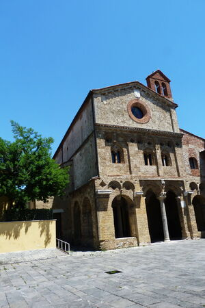 antiquary: San Zeno abad�a, Pisa, Toscana, Italia