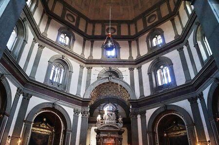 humility: Interno della Basilica di Santa Maria di umilt�, Pistoia, Toscana, Italia
