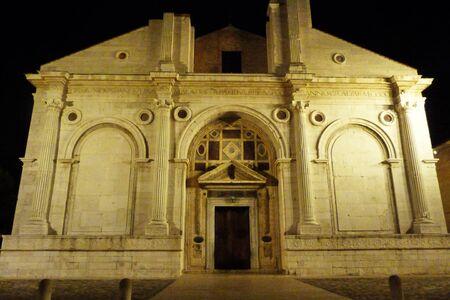 emilia: Tempio Malatestiano at night, cathedral of Rimini, Emilia Romagna, Italy Stock Photo