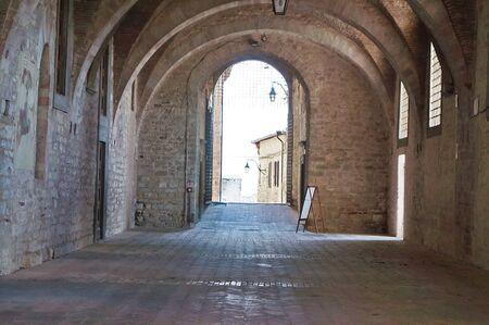 Arcade à Palazzo Ducale, Gubbio, Ombrie, Italie Banque d'images - 81252241