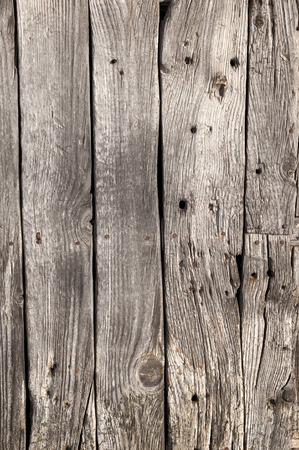 Di età compresa tra porta di legno con chiodi di fronte uso per la tessitura