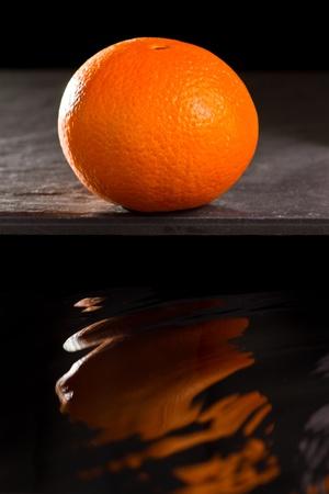 Navel orange with wave reflect