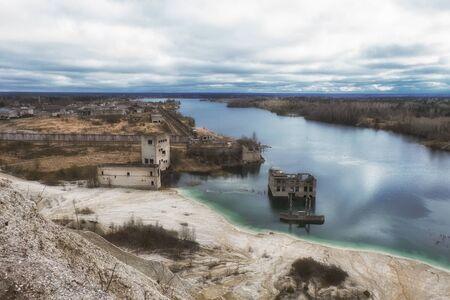 ruins: post-apocalyptic ruins