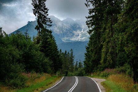 Road to the great mountain in summer. Mountain road to Lysa Polana and Morskie Oko, High Tatra Mountains, Poland Foto de archivo