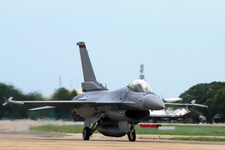 Landing of the airplane f16 Stock Photo - 14857594
