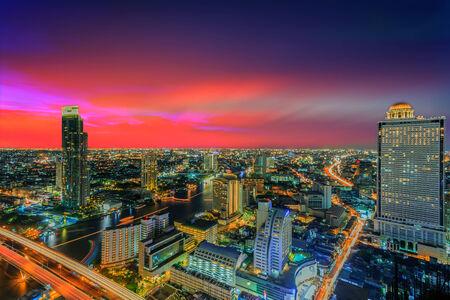 Modern building of Bangkok at twilight scene in Thailand Imagens