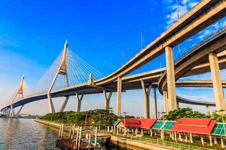 Curve of suspension bridge at riverside Imagens - 28985691