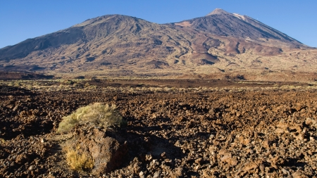 viejo: The volcaneos of Pico Viejo and Teide from the Ucanca Plains, Tenerife, Canary Islands.