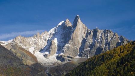 massif: The Aiguille Verte and the Aiguilles du Dru  or Les Drus  in the Montblanc massif, Les Praz de Chamonix, France