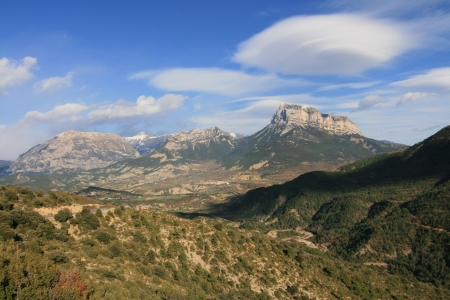 Lenticular cloud above Montanesa peak in the Pyrenees, Spain  Stock Photo - 20214604
