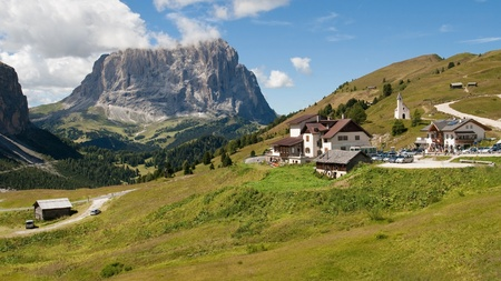 gardena: Gardena mountain pass and Langkofel peak in the Dolomites of the South Tyrol in northeast Italy  Stock Photo