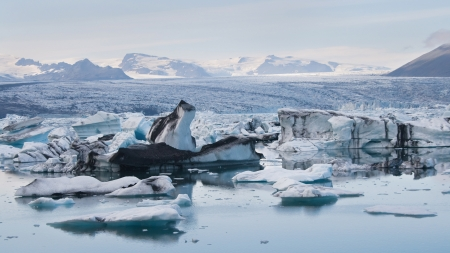 jokulsarlon: Vatnajokull glacier from Jokulsarlon in southern Iceland  Stock Photo